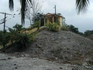Montículo 14 muestra la superimposición de la actual Villa Emiliano Zapata sobre el sitio arqueológico
